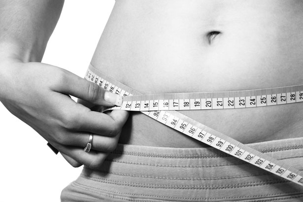 Vyötärönympärys kertoo, onko laihduttaminen tarpeen.